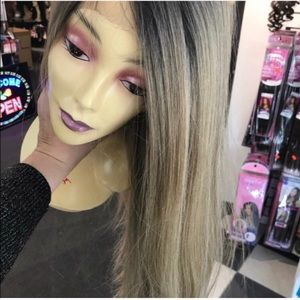 Accessories - Wig Ash blonde in style 2018 long blonde hairstyle